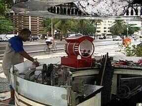 Incêndio destrói quiosque em Copacabana - O quiosque fica no posto 5 da praia de Copacabana. Os bombeiros foram chamados e conseguiram controlar as chamas. Ninguém ficou ferido. Não há informações do que pode ter causado o incêndio.