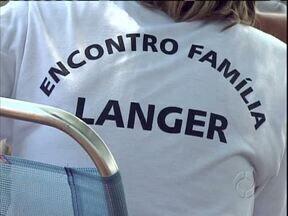 Encontro de família reúne pessoas em Missal - Veio gente do Brasil todo e da Argentina.