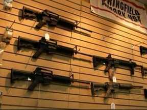 Obama anuncia plano para combater crimes com armas - O presidente dos Estados Unidos, Barack Obama, anuncia medidas contra a violência. A grande expectativa é sobre o plano para combater os crimes com armas.
