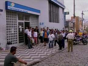 Gastos com auxílio-doença e aposentadoria ultrapassam R$ 4 bilhões em 2012 - Os transtornos mentais como estresse e depressão afastam do trabalho mais de 200 mil pessoas por ano no Brasil, segundo o INSS.