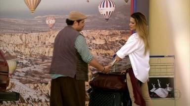 Demir leva Bianca ao aeroporto - Bianca pede que Demir se desculpe com Zyah por ela ter atrapalhado o casamento dele com Ayla
