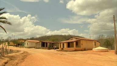 Seca atrapalha distruibuição de alimentos no sertão do Ceará - Seca atinge maior parte das cidades do Ceará.