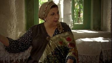 Família fica feliz com a decisão de Zyah em se casar com Ayla - Farid fica surpresa com Sarila e deixa um clima de mistério no ar