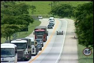 Imprudência no trânsito causa mortes na BR-101, Norte Fluminense - Cerca de 24 pessoas morreram na estrada em apenas 20 dias.Imprudência dos motoristas é maior causa de acidentes.