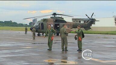 FAB encontra segunda vítima de queda de helicóptero em Caraguatatuba (SP) - Corpo pode ser de empresário que pilotava aeronave; esposa dele já havia sido encontrada na semana passada.