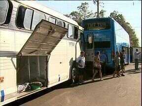 Motorista que descansava morreu vítima de assalto - Os ônibus viajavam em comboio justamente para evitar assaltos.