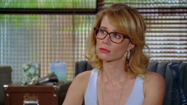 Juliana fala para Vânia que ainda gosta de Fábio - A amiga a consola. Enquanto isso, Felipe diz que não quer ver Fábio perto de Juliana