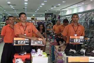 Comerciantes de Aracaju dizem que o final do ano foi negativo para as vendas - O volume de vendas no final de ano de 2012 foi abaixo do esperado o que resultou em um efeito negativo para a efetivação dos empregos temporários. Previsão para o próximo trimestre é de estabilidade desse quadro.
