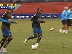 Vargas pode jogar contra a LDU em Quito - Grêmio conseguiu inscrever jogador na competição.