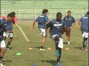 Toledo e Paraná treinam para confronto desta noite - Partida do Campeonato Paranaense terá transmissão ao vivo pela RPCTV.