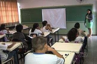 Alunos da rede municipal voltam às aulas, em Goiânia - A rede municipal de ensino da capital abre nesta quarta-feira (23) o ano letivo de 2013. São mais de 125 mil crianças e adolescentes nas mais de trezentas escolas.