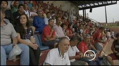 Federação Paulista interdita dois estádios da região - Garça e Burro correm risco de não jogar em casa pelo estadual. Motivo é a falta de um laudo emitido pelo Corpo de Bombeiros.