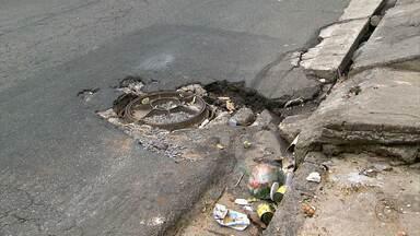 Bueiros abertos ou com tampas mal colocadas causam acidentes na Grande BH - Prejuízo e perigo são grandes aos motoristas e pedestres.