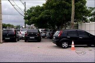 No mesmo local, carro é roubado 2 vezes em menos de um ano, no ES - Técnico teve carro roubado quando chegava ao trabalho, na Serra.