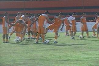Campinense e Santa Cruz se enfrentam nesta quarta em Campina Grande - Jogo vale pela Copa do Nordeste de 2013 e vale a liderança do grupo.