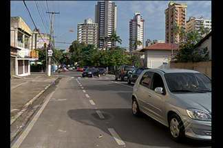 Morador reclama de trânsito confuso na trav. Quintino Bocaiúva com a rua dos Pariquis - Veja nas imagens.