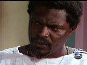 Ator e cineasta Zózimo Bulbul morre aos 75 anos - Zózimo Bulbul foi um dos maiores militantes da cultura negra do Brasil. Ele foi o primeiro protagonista negro de uma novela brasileira. Na televisão, ele atuou em novelas e minisséries.