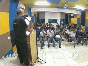 Reunião define regras do Campeonato Amador de Foz - Participaram do encontro dirigentes dos clubes que vão participar do campeonato esse ano. Foi discutido na reunião a forma de disputa e os locais dos jogos.