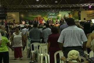 Evangélicos participam da Convenção Batista no Brasi em Aracaju - Envangélicos das Igrejas Batistas de todo o país celebram em Aracaju dois grandes eventos da congregação: o centenário do primeiro templo fundado na capital e a edição 2013 da Convenção Batista no Brasil.