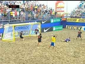 Na Copa das Nações de Areia, Brasil vence Holanda em Santos, SP - O time brasileiro atropelou os holandenses vencendo o jogo com o placar de 8 a 0.