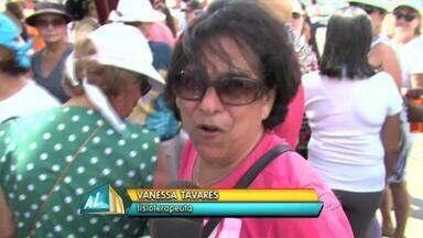 Munguzá do Pinto leva multidão de foliões para orla da capital - A tradicional prévia carnavalesca do bloco aconteceu pela manhã ao som de muito frevo e o sabor típico da especiária nordestina.