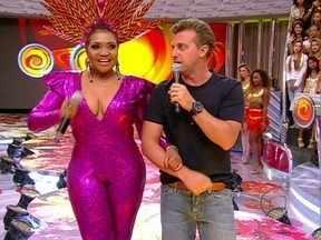 Gaby Amarantos canta o sucesso 'Xirley' - Paraense agita os convidados com sua música