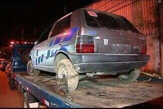 Jovem é preso com carro roubado em Cariacica, no ES - Na casa, PM ainda encontrou outro carro com número de chassi adulterado.