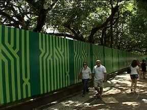 Projeto do Metrô da Praça Nossa Senhora da Paz, em Ipanema, deve ser modificado - Os acessos à estação ficarão afastados dos portões principais da praça. Uma figueira de 90 anos vai ser preservada à pedido dos moradores. A população já aprova as novas medidas.