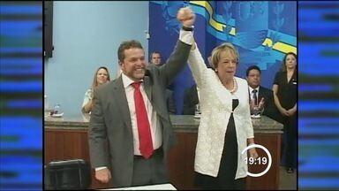 Câmara empossa Fernão Dias como novo prefeito de Bragança Paulista - O prefeito eleito de Bragança Paulista, Fernão Dias (PT), foi empossado no cargo neste sábado (26) pela Câmara.Dias assume o lugar de Renato Frangini (DEM), que terminou em segundo lugar na votação, mas ocupou a cadeira depois de uma decisão judicial