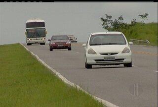 Foliões devem aumentar número de veículos na Via Lagos em direção à Cabo Frio, RJ - Por causa do Cabofolia, a Via Lagos espera um aumento de 23% no movimento da RJ-124.