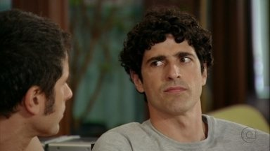 Nando suspeita que Felipe tenha encomendado sequestro - Ele suspeita de Kiko também