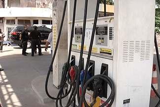 Posto de combustíveis no bairro do Anil não tem adulteração de combustíveis - De acordo com o proprietário do posto, a única irregularidade encontrada foi a falta da certidão de habite-se, documento que comprova a instalação de dispositivos de segurança.