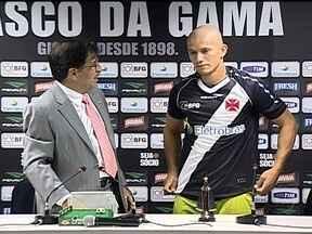 Lateral-direito Nei é apresentado no Vasco para suprir carência na posição - Com contrato de três anos de duração, jogador chega para ser opção para o técnico Gaúcho, que improvisou o volante Abuda no começo do Estadual.