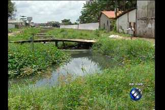 Telespectadora denuncia condições de pontes no bairro da Cremação - Repórter Guilherme Mendes traz as informações ao vivo.