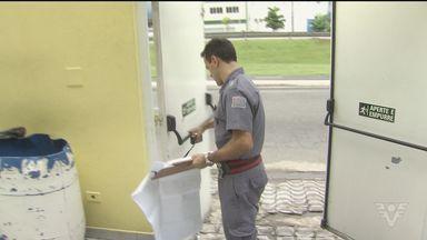 Cidades da Baixada Santista aumentam rigor na fiscalização de casas noturnas - Novas medidas foram tomadas depois da tragédia que aconteceu no Rio Grande do Sul, no último domingo (27).
