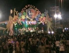 Festa elege a Rainha do Carnailha, no Amazonas - Em Parintins, no interior do Amazonas, terceiro final de semana de feirão dos blocos foi escolhida a rainha irreverente do Carnailha 2013.