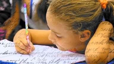 Em Movimento: de volta à escola - Fomos até uma escola em Vila Garrido, Vila Velha, bater um papo sobre volta às aulas. Será que as crianças gostam? Neste período de adaptação, os pequenos fazem várias amizades e aprendem diversas coisas novas.