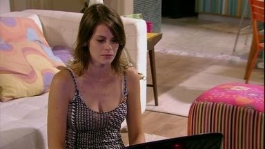 Malhação - capítulo de sexta-feira, 15/02/2013, na íntegra - Ana vê cena do beijo de Bruno e Fatinha e termina com ele