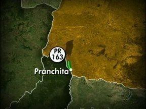 Turistas gauchos que vinham para Foz são assaltados no sudoeste do Paraná - O grupo de 44 passageiros foi trancado no bagageiro. O assalto aconteceu perto de Pranchita e durou cerca de três horas.