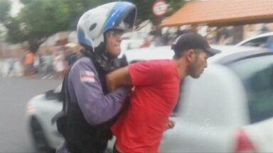 Assaltante é preso em flagrante no centro de Manaus - Assaltante utilizava uma faca para praticar os asslatos.