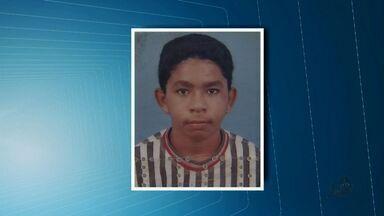 Polícia prendeu na manhã deste sábado um jovem acusado de assalto - Segundo a polícia ele roubou uma bolsa de uma mulher.