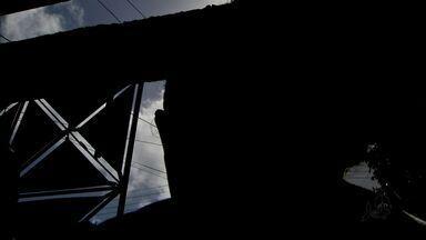 Polícia investiga morte de adolescente no Carlito Pamplona - Adolescente pode ter sido morta em uma brincadeira de roleta russa