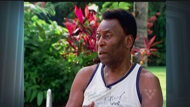 Pelé faz críticas a Neymar e conta que filho jogará nas categorias de base do Santos - Rei do futebol, Pelé, fez críticas e alertas a Neymar e contou que Joshua, filho do Rei, passou a treinar na categoria de base do Santos Futebol Clube.
