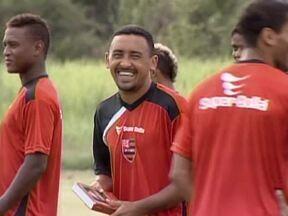 Flamengo-PI aposta a experiência e versatilidade de jogador para ter sucesso em 2013 - Niel se destaca no time e joga em posiçõe diferentes.
