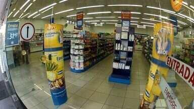 Duas farmácias foram assaltadas nesta sexta-feira, em Fortaleza - Os estabelecimentos estão localizados na Avenida Antônio Sales, no bairro Dionísio Torres.