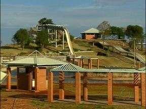 Começa a funcionar amanhã, em Itaipulândia, o Parque Aquático Lago de Itaipu - Foram oito anos de espera até a conclusão da primeira etapa das obras.