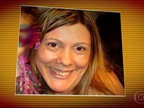 Enterrado corpo de mulher soterrada em deslizamento de terra na Rodovia dos Imigrantes - Neste domingo (24) foi enterrado o corpo da mulher que morreu soterrada na Rodovia dos Imigrantes. Lilian Aparecida de Souza, de 43 anos, estava dentro de um dos 24 veículos atingidos pelo deslizamento de terra na sexta-feira (22).