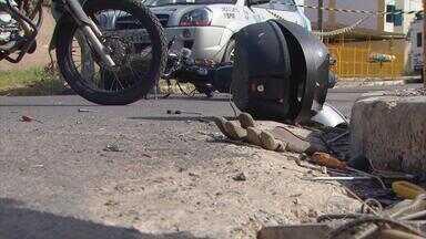 Falta de sinalização e imprudência causam acidente em Jardim Atlântico - Caminhonete e moto colidiram e uma pessoa morreu. Câmeras de segurança registraram acidente.