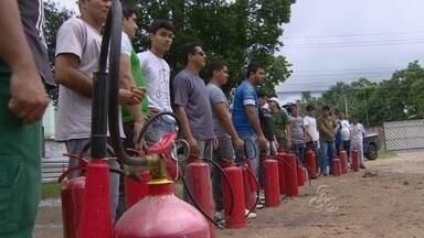 TV Amazonas participa de treinamento de combate a incêndios - Primeiro passo para a brigada permanente da emissora, funcionários da TV Amazonas participaram de um treinamento de combate a incêndios.