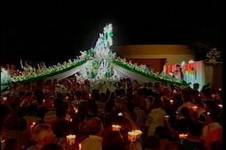 Milhares de pessoas participaram da procissão luminosa em Ibiaçá - Há 61 anos a Romaria de Nossa Senhora Consoladora reúne fieis no último fim de semana de fevereiro